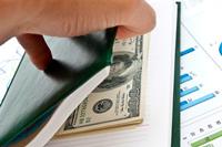 PLN czeka na nowe impulsy, udana aukcja długu